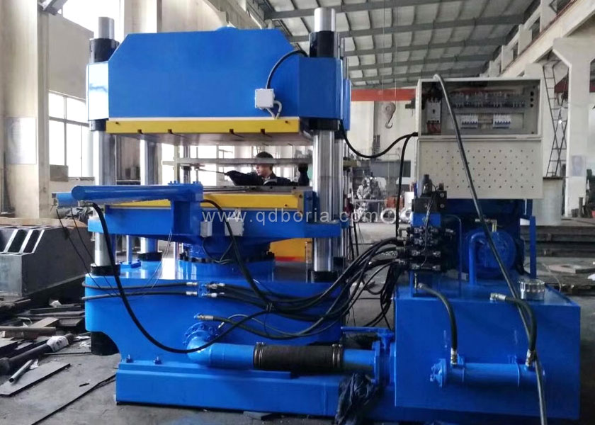 Automatic flat plate vulcanizing machine